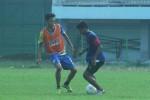 Sadam Sudharma tampak latihan di Stadion Mandala Krida, Senin (4/4/2016). (Arief Junianto/JIBI/Harian Jogja)