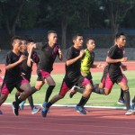 Pemain Persis melakukan latihan di stadion Sriwedari, Selasa (10/5). Persis akan berlaga melawan Persika Karawang pada Minggu (22/5) di Karawang dalam  Indonesia Soccer Championship. (JIBI/SOLOPOS/ Sunaryo Haryo Bayu)