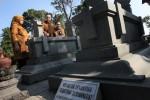 Mendiknas Anies Baswedan Ziarah ke Makam Ki Hajar Dewantara