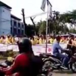 Demonstrasi mahasiswa menolak Sumbangan Pengembangan Institusi (SPI) di Universitas Negeri Semarang (Unnes). (Youtube.com)