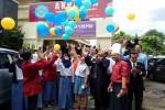 Siswa SMK N 1 Depok Sleman bersama jajaran manajemen Hotel Horison Jogja menerbangkan balon di halaman sekolah, Kamis (12/5/2016). (Bernadheta Dian Saraswati/JIBI/Harian Jogja)