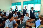 Mendikbud RI Anies Baswedan saat memantau UN Berbasis Komputer di SMP N 1 Kalasan, Sleman, Kamis (12/5/2016). (Uli Febriarni/JIBI/Harian Jogja)
