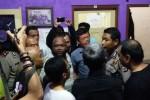 "Suasana saat pembubaran kegiatan pemutaran film ""Pulau Buru Tanah Air Beta"", Selasa (3/5/2016) malam. (Foto istimewa)"