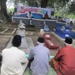 Warga mengikuti acara sadranan di Makam Mbah Bonang Moren, Desa Baturan, Colomadu, Karanganyar, Minggu (29/5/2016). (Iskandar/JIBI/solopos)