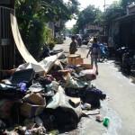 BANJIR SOLO : Warga Joyotakan Butuh Air Bersih dan Truk Pengangkut Sampah!