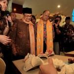 TOKOH INSPIRATIF : B.J. Habibie Jadi Bapak Asuh UKM Pengrajin Batik Soloraya