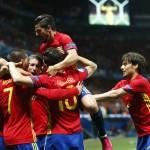 Spanyol merayakan gol ketiga ke gawang Turki dalam laga lanjutan grup D Piala Eropa 2016 di Stade de Nice, Nice, Prancis, Sabtu (18/6/2016) dinihari WIB. (JIBI/Reuters/Eddie Keogh)