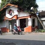 DRAINASE SOLO : DPU Bongkar Posko PDIP Semanggi
