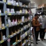 Tim gabungan Dinkes dan BPOM menginspeksi vaksin di gudang obat-obatan rumah sakit di Bergas, Kabupaten Semarang, Kamis (30/6/2016). (JIBI/Solopos/Antara/Aditya Pradana Putra)