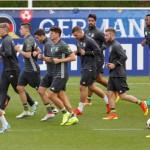 Timnas Jerman melakukan latihan jelang melawang Polandia di Piala Eropa 2016. (Reuters)