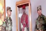 Boneka seorang komandan yang dapat bergerak saat malam hari (Mirror)