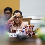 KAPOLRI BARU : Jokowi Pesan untuk Komjen Tito: Reformasi Kepolisian!