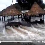"Potongan video ombak di Pantai Sadranan, yang diunggah oleh akun Ba Be di grup facebook ""info cegatan jogja"". (Istimewa)"