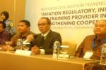 Kepala PPSDM Perhubungan Udara Kementrian Perhubungan Yuli Sudoso (kedua dari kanan) saat memberikan penjelasan seputar sumber daya penerbangan di Hotel Royal Ambarukmo, Depok, Sleman, Kamis (2/6/2016). (Sunartono/JIBI/Harian Jogja)
