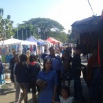 Suasana keramaian Sunday Market Manahan, Minggu (12/6/2016). Paguyuban PKL Sunday Market nekat kembali menarik retribusi pedagang Sunday Market. (Irawan Sapto Adhi/JIBI/Solopos)