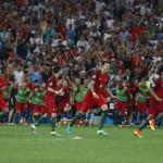 Portugal merayakan kemenangan adu penalti menghadapi Polandia di Stade de Velodrome, Marseille, Prancis, Jumat (1/7/2016). Pertandingan ini sebelumnya berakhir 1-1 hingga 120 menit. (JIBI/Reuters/Michael Dalder)