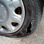 TIPS OTOMOTIF:Bahaya Mobil Kelebihan Muatan, Ban Bisa Jadi Begini