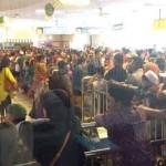 Para pemudik menyemut di Bandara Ahmad Yani, Semarang, Minggu (3/7/2016). (JIBI/Semarangpos.com/Istimewa-Humas Bandara Ahmad Yani)