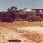 Benda diduga UFO berbentuk piring terbang (Youtube)