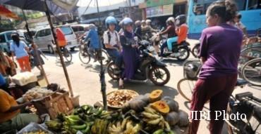 Ilustrasi jalan macet di depan pasar tumpah. (JIBI/Solopos/Antara/Oky Lukmansyah)