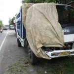Satlantas Polres Klaten menyita truk berpelat nomor AD 8892 ME di Sungkur, Klaten Tengah, Senin (25/7/2016). Kendaraan yang dikemudikan Joko Budi Karsono, 50, warga Jogonalan, Klaten bertabrakan dengan sepeda motor Suzuki Satria FU berpelat nomor AD 2705 VJ. Akibatnya, pengemudi sepeda motor, Kuntoro, 16, warga Tlogo, meninggal dunia. (Ponco Suseno/JIBI/Solopos)