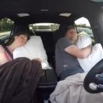 MOBIL TESLA:Video Asyiknya Bawa Mobil Autopilot, Bisa Sambil Tidur!