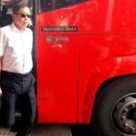 Menteri Perhubungan Ignasius Jonan melakukan inspeksi di Terminal Bus Terboyo, Semarang, Jawa Tengah, Selasa (12/7/2016). Inspeksi Menhub tersebut bertujuan memantau pelayanan dan aktivitas arus balik pada mudik Lebaran 2016 yang berlangsung di terminal bus yang kerap kali digenangi rob itu. (JIBI/Solopos/Antara/Aditya Pradana Putra)