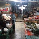 Sejumlah pedagang Pasar Jungke, Karanganyar, beraktivitas seperti biasa pada hari pertama Lebaran, Rabu (6/7/2016). (Kurniawan/JIBI/Solopos)