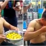 Pria Tiongkok makan telur mentah (Daily Mail)