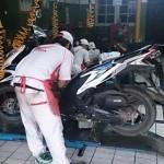 Servis sepeda motor. (Welovehonda.com)