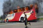Bus wisata di Taiwan yang terbakar (Twitter/Global Times News)