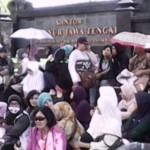 DEMO BURUH : THR Tak Dibayarkan, Buruh Nyonya Meneer Demo
