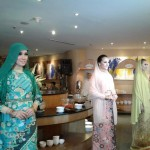 Para model memperagakan busana karya Djongko Rahardjo bertajuk Show Gorgeous Ramadhan di Narendra Resto The Sunan Hotel, Rabu (29/6/2016). (Ika Yuniati/JIBI/Solopos)