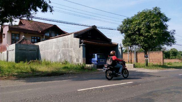 Rumah Suranto, korban perampokan, di jalan Solo-Purwodadi, Banaran, Kalijambe, Sragen, Rabu (27/7/2016). (Moh Khodiq Duhri/JIBI/Solopos)