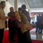 Gubernur DIY Sri Sultan HB X dan Wakil Gubernur DIY KGPAA Paku Alam X menghadiri syawalan di Gedung Kesenian Wates, Kulonprogo, Selasa (19/7/2016). (Rima Sekarani I.N./JIBI/Harian Jogja)