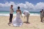 Pasangan yang menikah di Hawai (Liveleak)