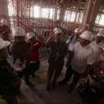 Anggota Komisi III DPRD Solo berbincang saat Inspeksi Mendadak (Sidak) pembangunan Pasar Klewer Solo, Kamis (11/8/2016) Progres pembangunan Pasar Klewer tahap kedua berjalan 6%. (Nicolous Irawan/JIBI/Solopos)