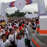 HUT KEMERDEKAAN RI : 3 BUMN Gelar Jalan Sehat dan Jual Paket Sembako Rp25.000