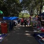 Aktivitas pedagang di Sunday Market di sisi barat Stadion Manahan Solo, Minggu (21/8/2016). Sebagian pedagang Sunday Market kembali berdagang setelah sempat ditutup beberapa pekan. (Nicolous Irawan/JIBI/Solopos)