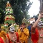 FOTO HUT RI : Ramainya Garebek Agustusan di Semarang