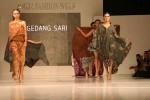 Sejumlah model memeragakan lilitan kain batik Gedangsari di panggung Jogja Fashion Week 2016 di Jogja Expo Center, Sabtu (27/8/2016).(Holy Kartika N.S/JIBI/Harian Jogja)