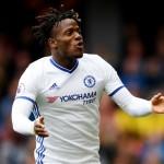 Batshuayi Layak Jadi Striker Utama Chelsea Ketimbang Morata