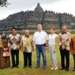 WISATA JATENG : Kunjungi Borobudur, Presiden Ukraina Sempatkan Selfie di Stupa Utama