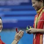 Qin melamar He Zi (Daily Mail)