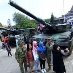 Puluhan Kendaraan Tempur TNI Turun di Jalan-Jalan Solo
