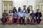 -Pengurus BKPBT DIY foto bersama penerima beasiswa yang sudah pulang ke DIY. (IST/BKPBT)