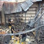 Tim Labfor saat melakukan pemeriksaan di gudang cat di Jalan Magelang km 4,5 Rogoyudan, Sinduadi, Mlati, Sleman, Selasa (23/8/2016). (Yudho Priambodo/JIBI/Harian Jogja)