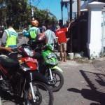 Dua sepeda motor yang terlibat dalam kecelakaan di depan Griya Solopos, Laweyan, Solo, Rabu (24/8/2016). (Jafar Sodiq Assegaf/JIBI/Solopos.com)