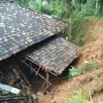 Kondisi salah satu rumah warga yang terkena tanah longsor, Minggu (14/8/2016). (JIBI/Madiunpos.com/Istimewa)