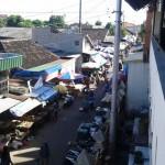 PASAR TRADISIONAL SOLO : 150 Pedagang Pasar Sidodadi Meluber ke Jalan Kampung